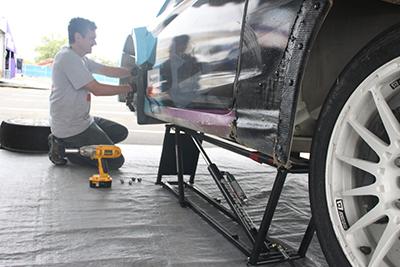QuickJack Racecar Track Lift Redbull GRC Skyes